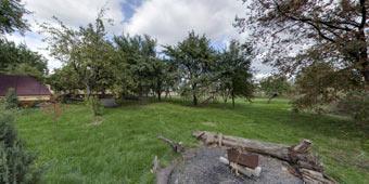 Продам земельный участок с домом и со своим берегом.