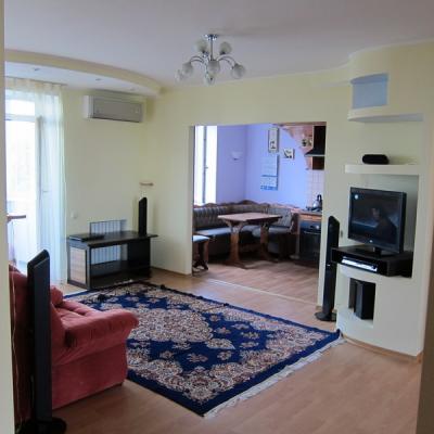 Недвижимость в Днепропетровске - продам квартиру 3-х комнатную
